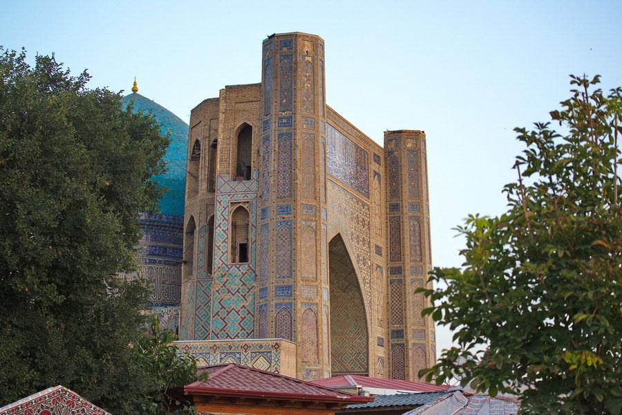 Deze afbeelding heeft een leeg alt-atribuut; de bestandsnaam is bibi-khanum-mosque6.jpg