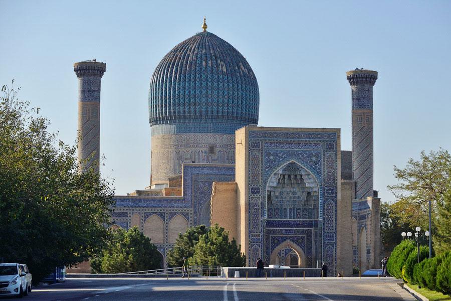 Deze afbeelding heeft een leeg alt-atribuut; de bestandsnaam is gur-emir-mausoleum.jpg