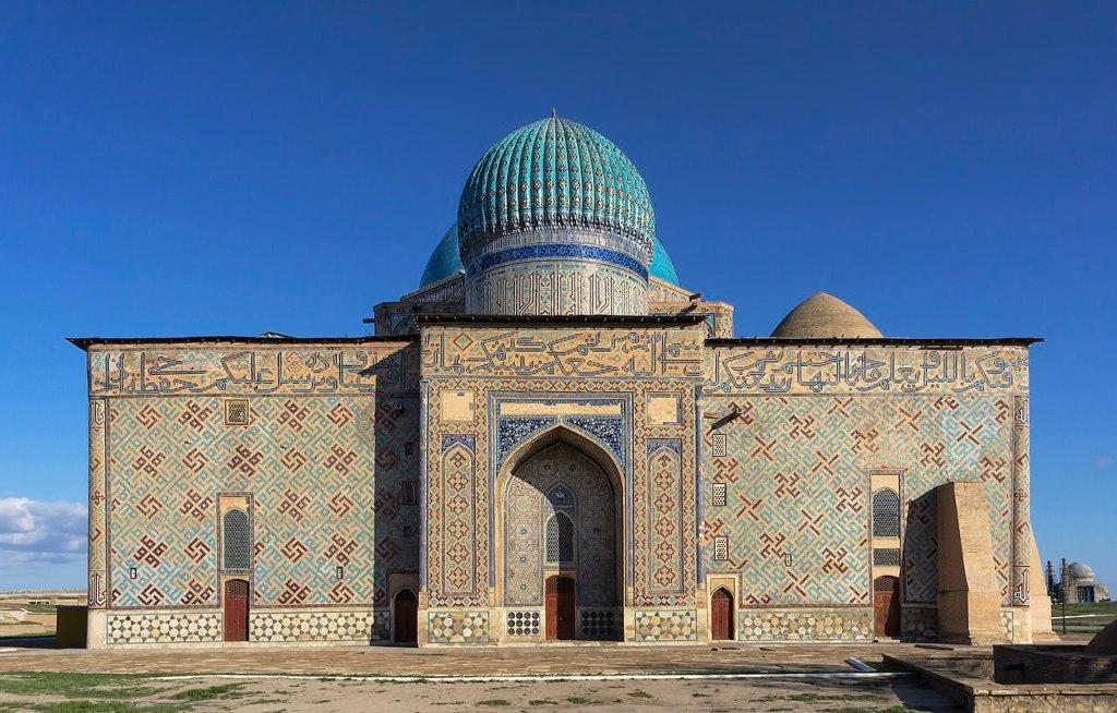 Deze afbeelding heeft een leeg alt-atribuut; de bestandsnaam is mausoleum_of_khoja_ahmed_yasawi_in_hazrat-e_turkestan_kazakhstan.jpg